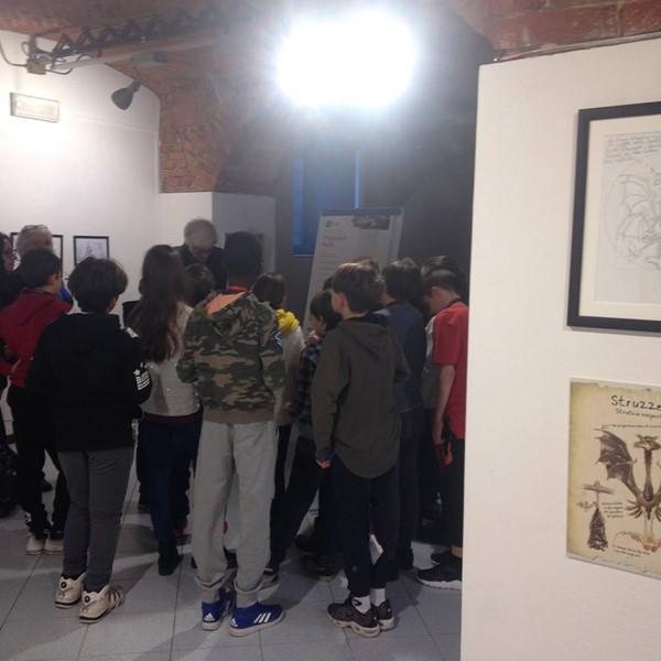 Giorgio Sommacal presenta ai bambini del Progetto Scuole la sua mostra: Inventare Mondi Inventare Animali